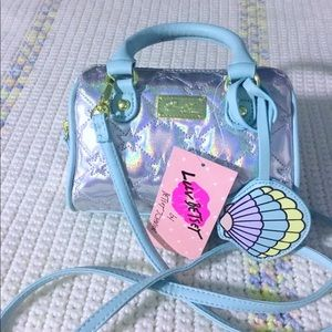 Betsey Johnson mini barrel quilted bag 🦄🦄